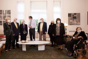 Κάλεσμα του Πρωθυπουργού στους πολίτες μεγαλύτερης ηλικίας να ξεπεράσουν τις επιφυλάξεις τους και να εμβολιαστούν